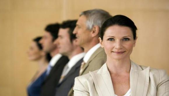 ¿Las mujeres tienen mejor rendimiento como CEO de una empresa?