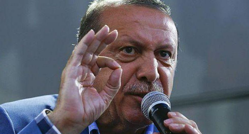 Turquía amenaza con enviar 15.000 refugiados cada mes a Europa