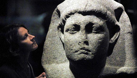 Imagen referencial. Representación de Cleopatra en Egipto. (ADRIAN DENNIS / AFP).