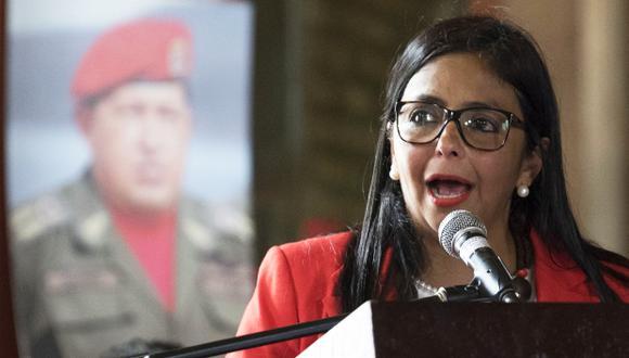 """""""Al señor Juan Manuel Santos le digo que nosotros llegamos con más votos que las élites que lo llevaron a él a la presidencia de Colombia"""", dijo Delcy Rodríguez. (Foto: AFP)"""