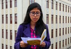 "Juliane Angeles lee el poema ""Mi enfermedad"" [VIDEO]"