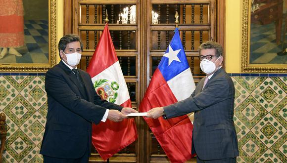 Andrés Barbé González asumió el cargo esta semana en remplazo del diplomático Roberto Ibarra quien estuvo a cargo de dicha embajada por 6 años. (Foto: Cancillería)
