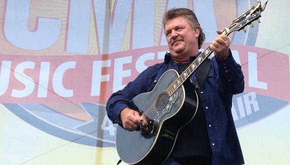 Cantante de música country tuvo una serie de éxitos en la década de 1990 con baladas en los primeros sitios de popularidad. (Foto: Facebook oficial)