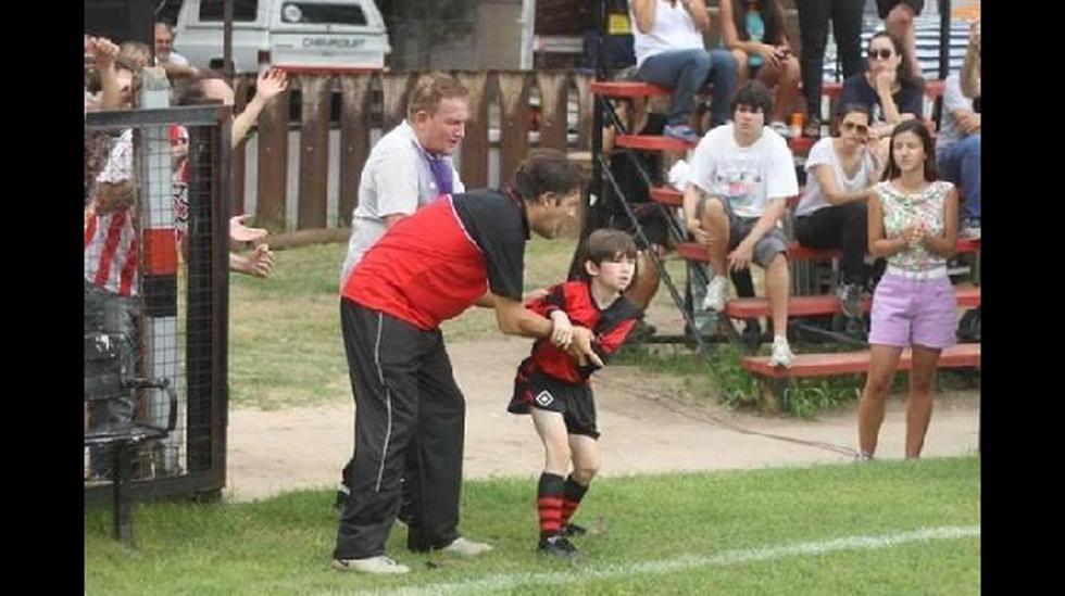 Messi y el impresionante parecido con niño de su documental - 1