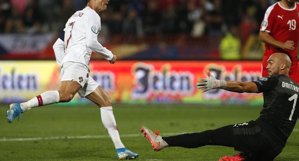 Cristiano Ronaldo siempre aparece: mira el gol de CR7 en el Portugal vs. Serbia. (Foto: AP)