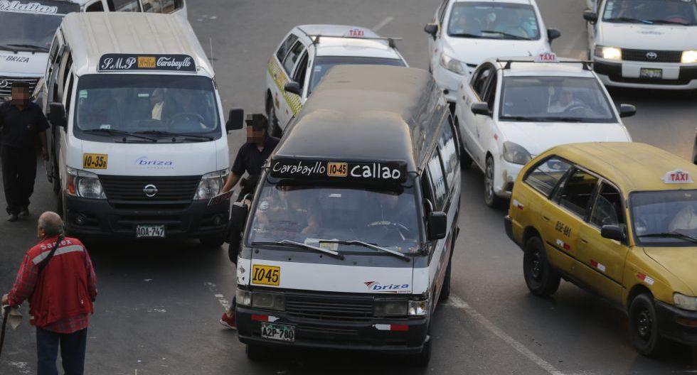 Más de 15 mil unidades de transporte público (entre buses, coasters y combis) continuarán recorriendo las calles de la capital y el Callao pese a que muchas tienen infracciones y se hallan en pésimo estado. (Foto: Alonso Chero / GEC)