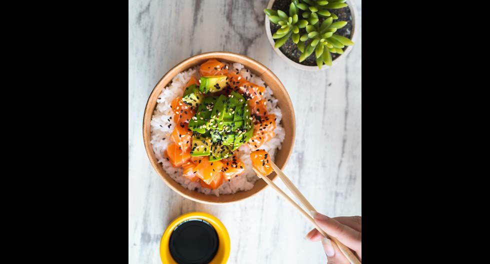 Comma-de todo un poco, San Isidro. Allí, pide el bowl japonés (S/25), que se prepara al instante. El horario de atención: de lunes a viernes de 7 a.m. a 8:30 p.m. en la avenida Víctor Andrés Belaunde 276.(Foto: Difusión)