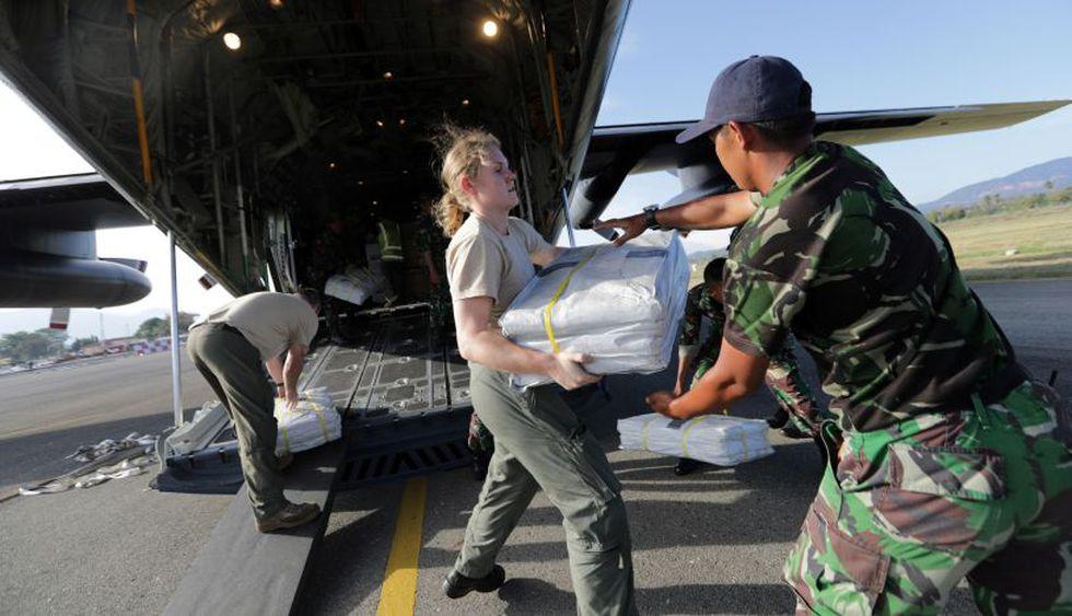 Llegada de ayuda procedente de Nueva Zelanda al aeropuerto de Mutiara Al Jufri Airport en Palu. | Foto: EFE