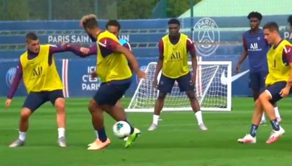 Neymar empieza la semana con una increíble huacha en práctica de PSG. (Foto: Captura)