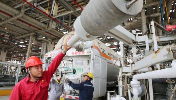 Los técnicos de la estatal china CNPC juegan un papel clave en la industria petrolera de Venezuela. Foto: Getty images, vía BBC Mundo