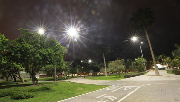Las luminarias fueron instaladas en postes de seis metros de altura. (Foto: Municipalidad de San Isidro)