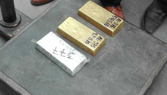 Decomisan barras de oro en Pucusana