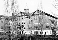 """La oscura historia del """"Alcatraz de Canadá"""", la escuela para niños indígenas en la que encontraron otras 160 tumbas sin identificar"""