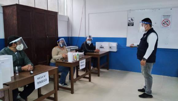 Cada aula contará con dos cabinas y así se agilizará el flujo de votantes. (Foto: ONPE)