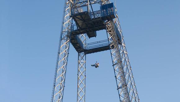Esta torre de caída libre es la atracción más atemorizante