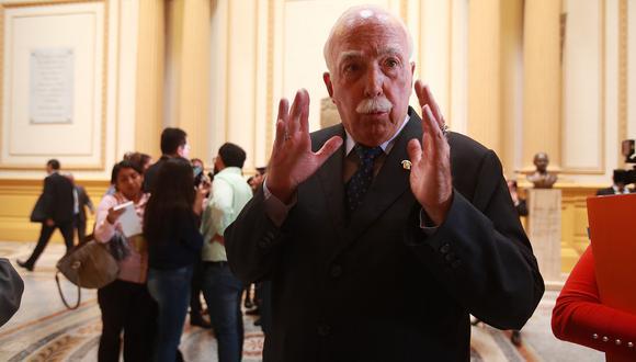 El vocero de Fuerza Popular, Carlos Tubino, evitó señalar una fecha estimada en la cual la Comisión de Constitución tendría un dictamen listo. (Foto: GEC)