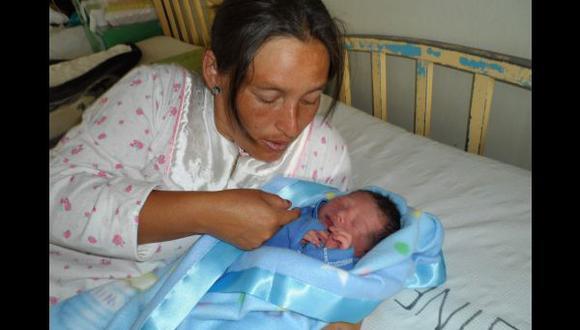 El primer bebe del 2014 en Arequipa se llama Sneider Bernal Sánchez