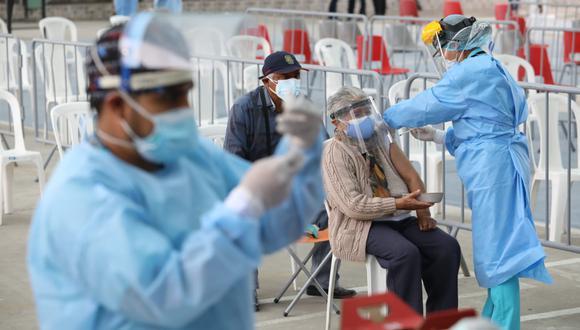 En el Perú se aplican dos dosis de vacunas. (Foto: El Comercio)
