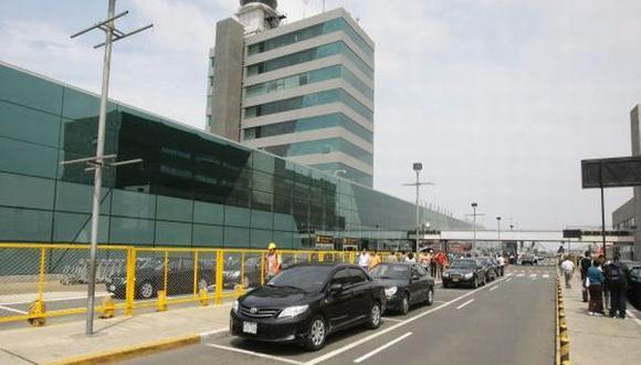 Accidente de avión FAP en aeropuerto Jorge Chávez afecta vuelos