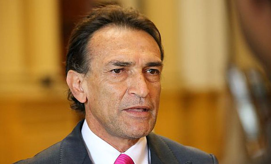 Becerril: Otárola no tiene derecho a imponer elección en bloque