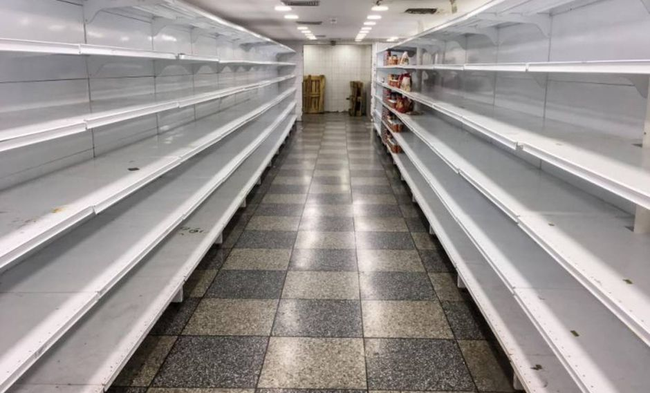 El riesgo de ser comerciante en un supermercado de Venezuela. (Foto referencial: EFE)