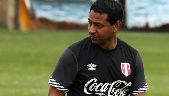 Ñol Solano cerró filas por Claudio Pizarro en la selección