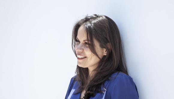 """Cristina García Calderón tiene 25 años dedicados a la docencia universitaria. Es autora del libro """"Qué quieres decir"""". Foto: Eduardo Amat y León."""