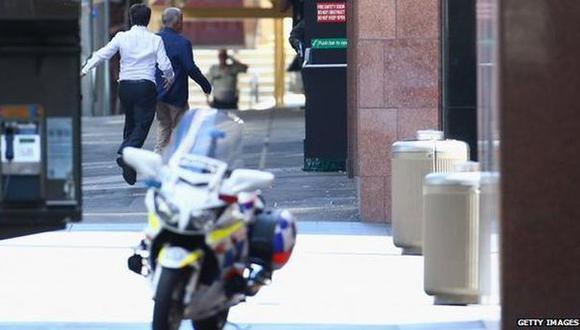 Sidney: Tres personas escapan de café donde estaban retenidas
