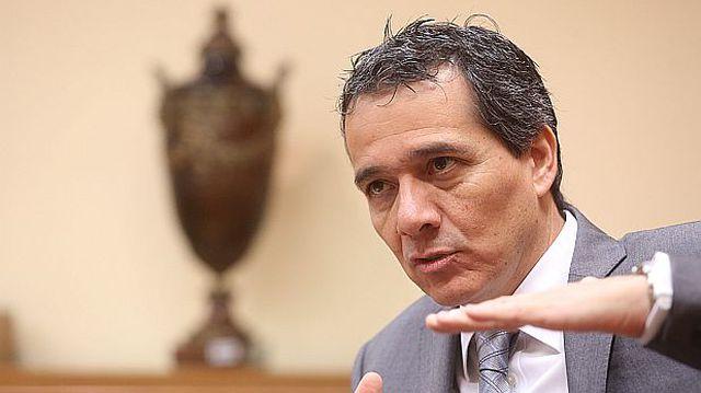 Exministro de Economía, Alonso Segura.
