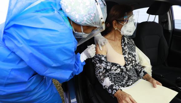 El gobierno habilitó el padrón con los lugares y fechas en que serán vacunados contra el COVID-19 los adultos mayores de 70 a 79 años en Lima y Callao (Foto: GEC)