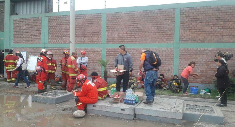 Incendio en El Agustino: bomberos siguen trabajos tras 12 horas - 5