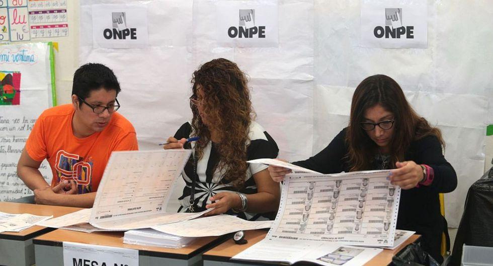 La ONPE informó que hay más de 500 mil miembros de mesa a nivel nacional que podrán ser multados si no cumplen con su labor. (Foto: Andina)