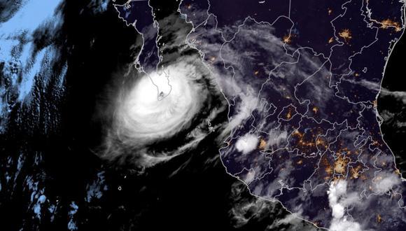 El huracán Olaf toca tierra en Baja California Sur, México. (AFP).