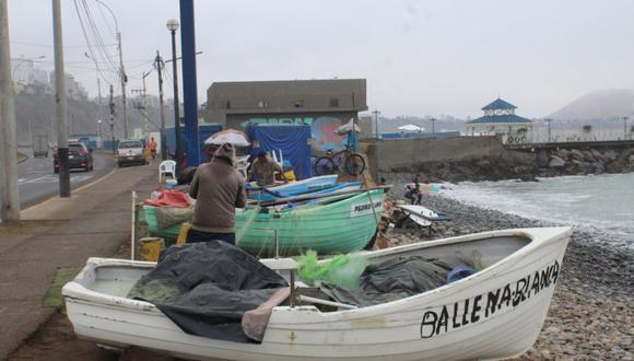 El alcalde de Miraflores, Luis Molina, aclaró que está prohibido dejar embarcaciones en las playas de su jurisdicción. (Difusión)