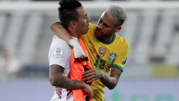 Neymar habla con Christian Cueva luego del pitazo final del Perú vs. Brasil por la Copa América 2021. (Foto: EFE)
