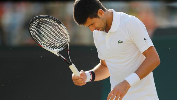 Novak Djokovic se retiró por problemas físicos y perdió ante Tomas Berdych en cuartos de final. (Foto: Reuters)