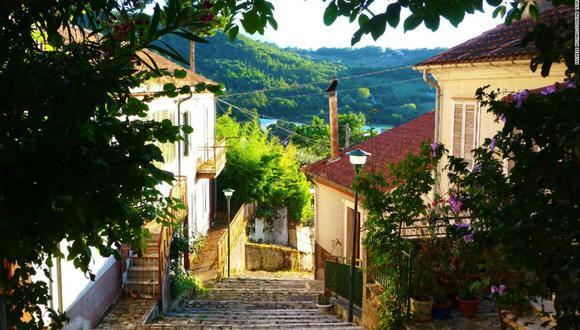 Teora, lugar ubicado en la región sureña de Campania, espera atraer nuevos residentes ofreciendo pagar su renta si se mudan allí. (Foto: Michele Notaro/Comune Teora)