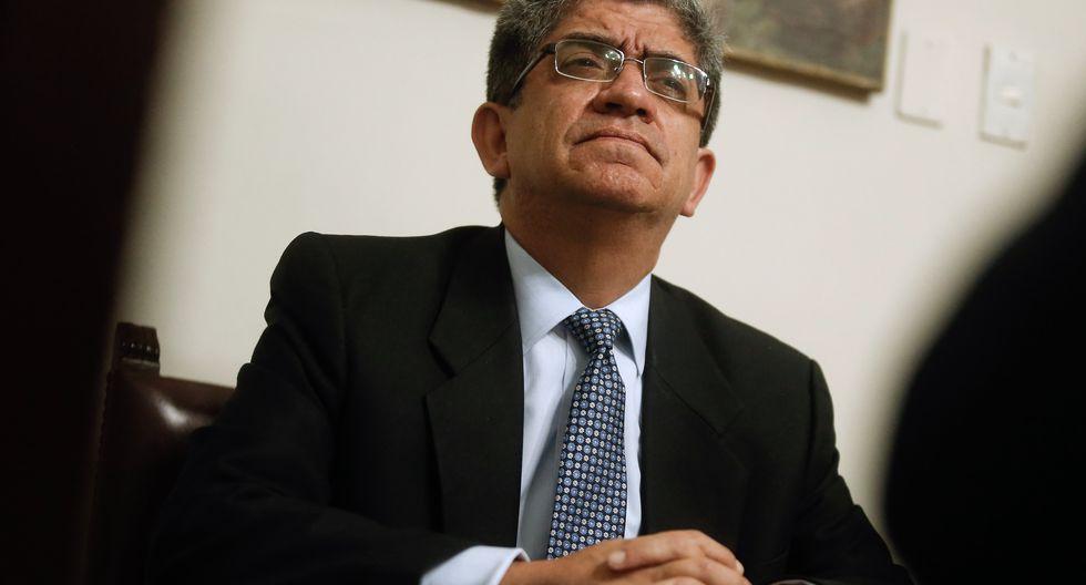 Sardón ha tenido que defenderse diciendo que él no escogió a los beneficiarios, sino el jurado de rectores. ¿Y cuál es el problema con los seleccionados, políticamente diversos? (Foto GEC)