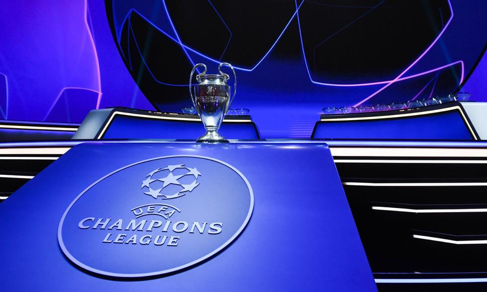 Postales del sorteo de la fase de grupos de la Champions League | Foto: EFE
