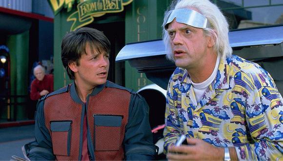 Michael J. Fox (Marty McFly) y Cristopher Lloyd ('Doc' Brown) tuvieron emotivo reencuentro tras 35 años de 'Volver al futuro'. | Foto: Difusión