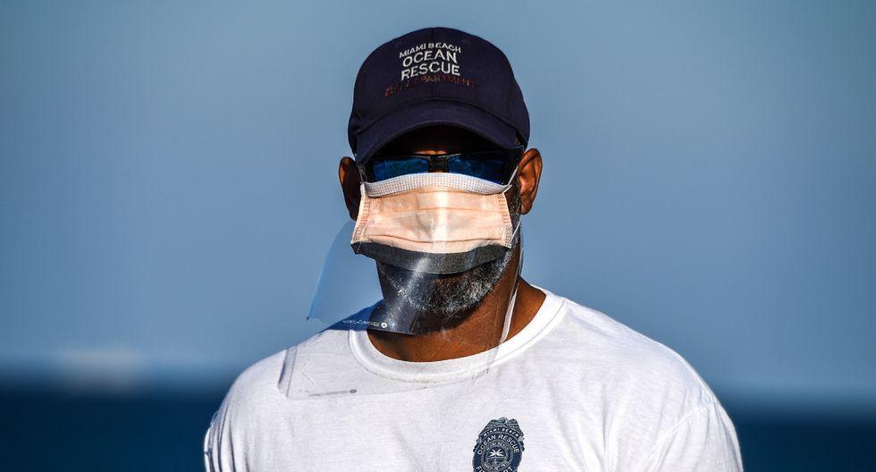En Miami todos deben utilizar mascarillas para frenar la propagación de la pandemia del coronavirus. (Foto referencial / Chandan Khanna / AFP)