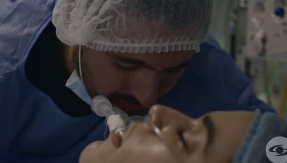 Juancho ya no puede estar cerca de Yeimy Montoya, pero intenta comunicarse con su familia (Foto: La reina del flow / Caracol TV)