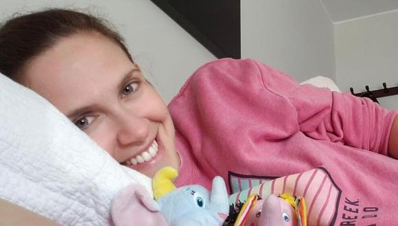 """Emilia Drago y su esposo Diego Lombardi grabaron un divertido clip de la canción """"Estoy soltera"""" y la maternidad. (@emiliadrago)."""