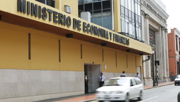 El fiscal Reynaldo Abia se encargó de recabar, entre otras cosas, el registro del ingreso de visitas a la sede del MEF.(Foto: archivo/ GEC)