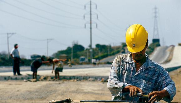 ECUADOR – 2003: Recopilación en fotografías generales de  Ecuador en la categoría de infraestructura