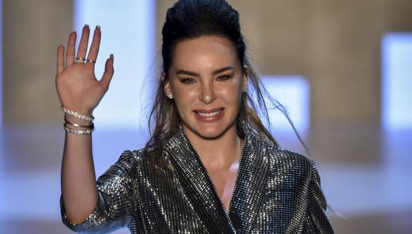 """Belinda se presentó en los Premios de la Radio 2019. La intérprete de """"Sapito"""" sufrió un percance durante su presentación"""