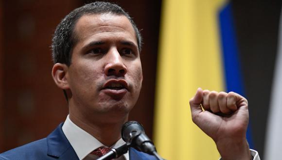 """Venezuela: Juan Guaidó dice que Nicolás Maduro no le verá """"la cara de tonto"""" por invitación a diálogo en Noruega. (AFP)."""