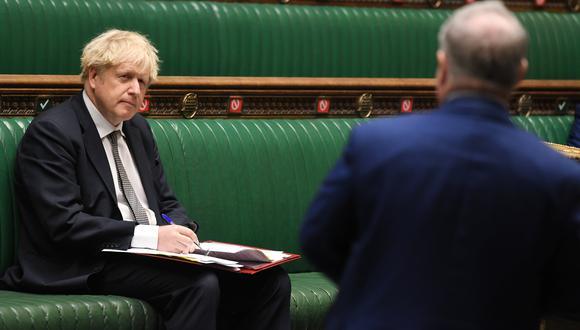 El primer ministro británico Boris Johnson en la Cámara de los Comunes, en Londres, hoy 16 de diciembre del 2020. (UK Parliament/REUTERS)