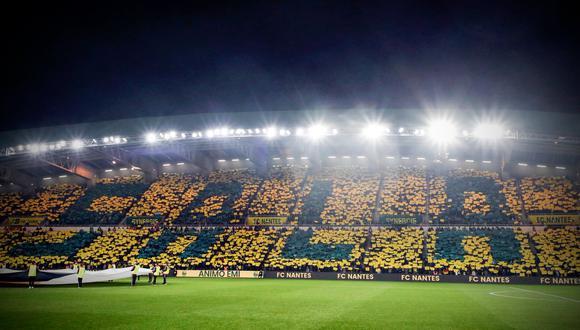 El Nantes afrontó su primer partido en Ligue 1 tras la desaparición del goleador argentino Emiliano Sala. Los hinchas lo recordaron con un fabuloso mosaico que alcanzó todo el estadio. (Foto: AFP)