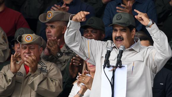 Nicolás Maduro y Diosdado Cabello durante un desfile militar el pasado 13 de abril en Caracas, Venezuela. (AFP).